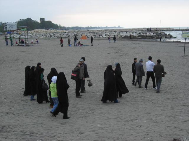 mujeres mar Caspio