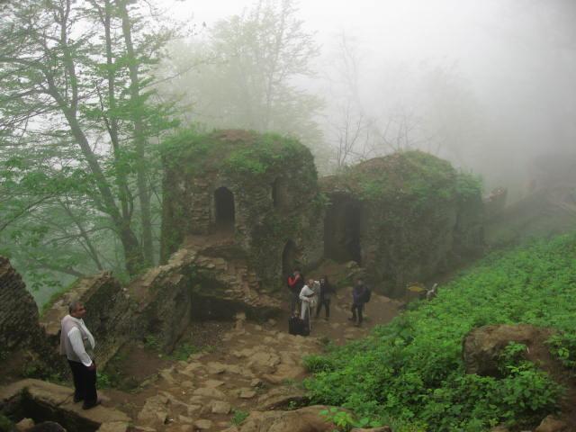 Castillo Masuleh y guía