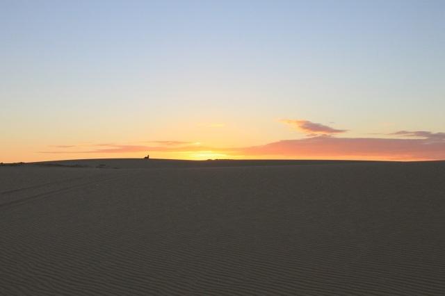 puesta sol desierto