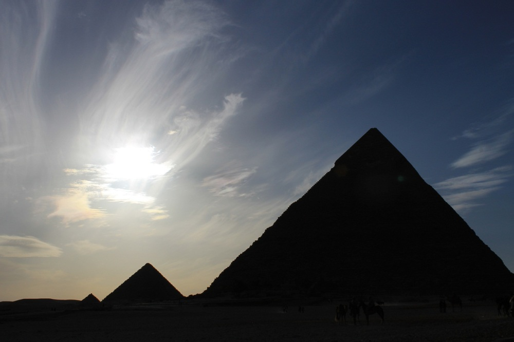 pirámides sombra