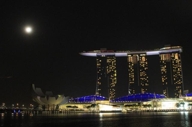 rascacielos singapur noche