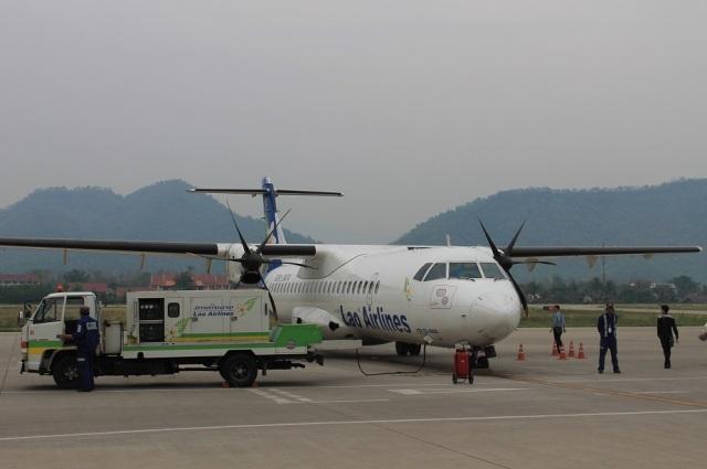 avion laos hélice